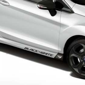 Ford Fiesta ST Black & White Edition linke Seite